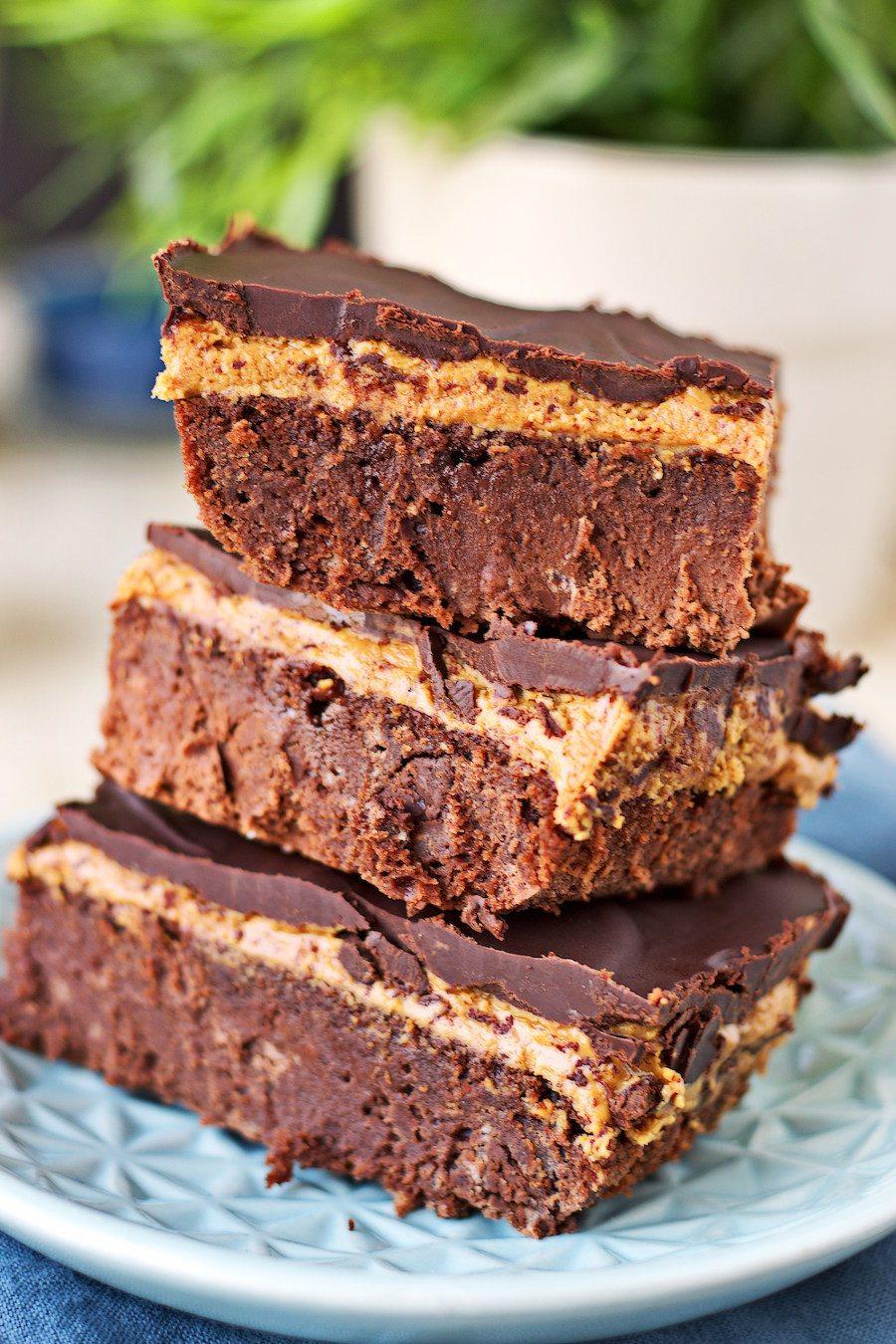 Vegan Buckeye Brownies #vegan #glutenfree www.contentednesscooking.com