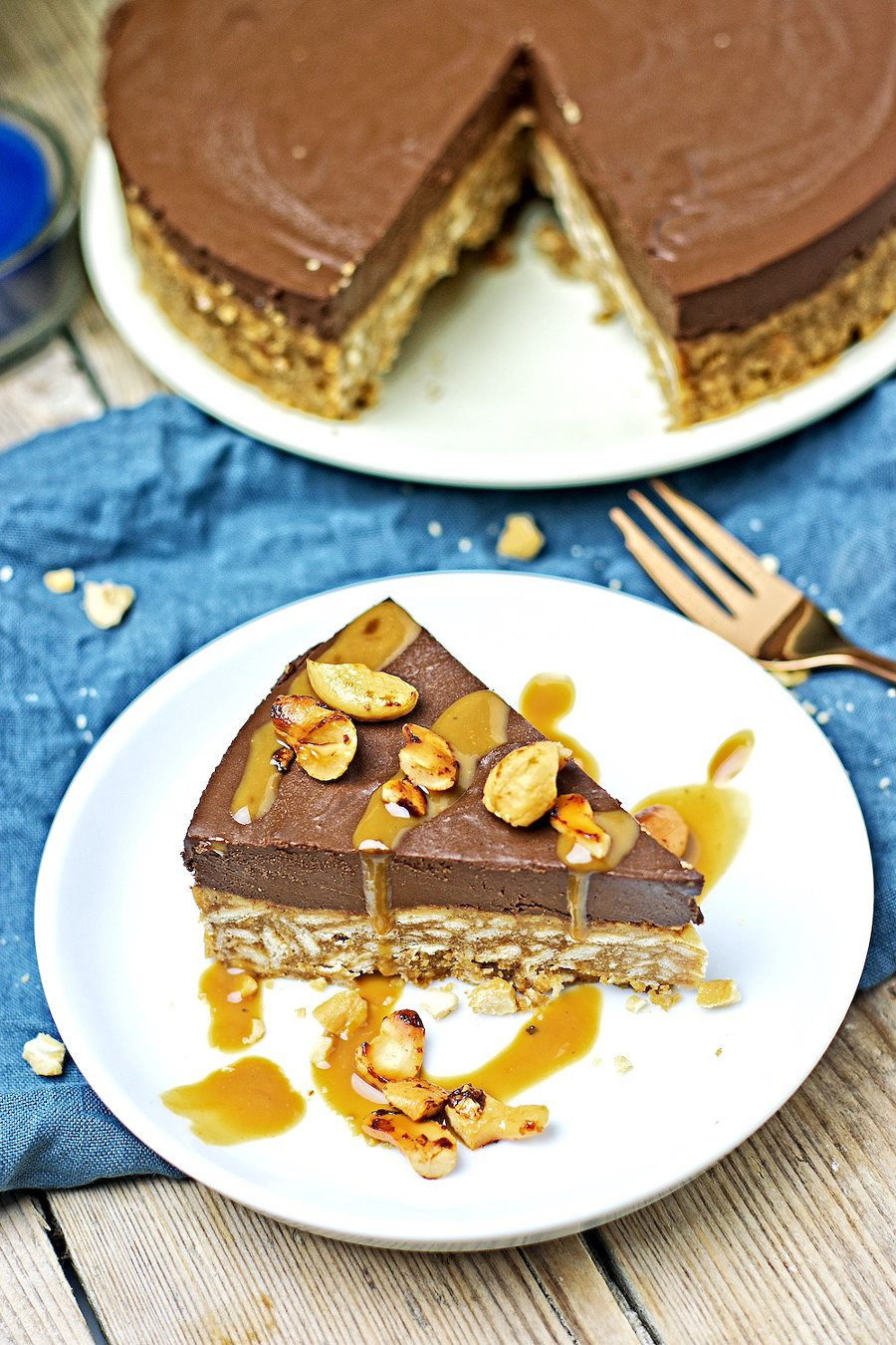 Vegan Chocolate Cake #vegan #glutenfree www.contentednesscooking.com