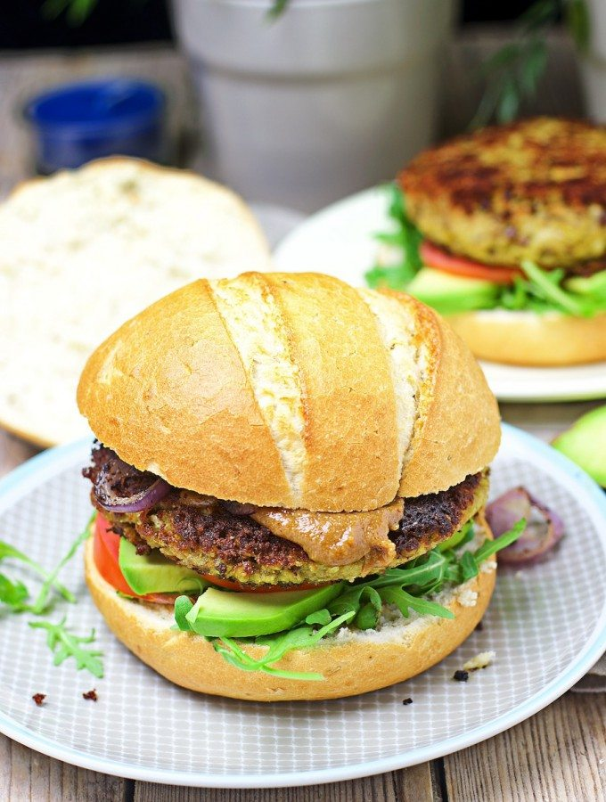 Veggie Burger with Cauliflower