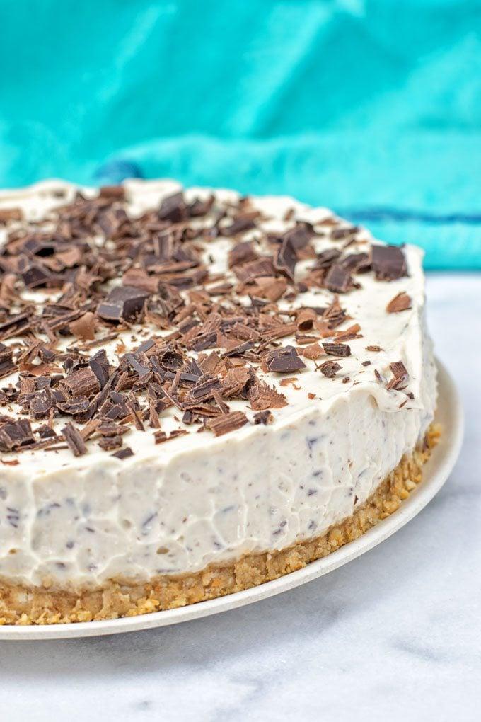 Stracciatella Cream Pie (vegan, gf, no bake) | #vegan #glutenfree #nobake www.contentednesscooking.com