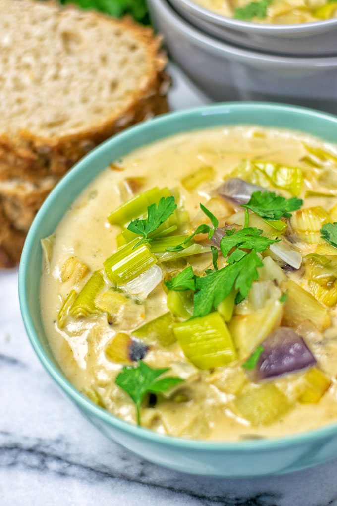 Vegan Cheese Leek Soup | #vegan #glutenfree #contentednesscoking