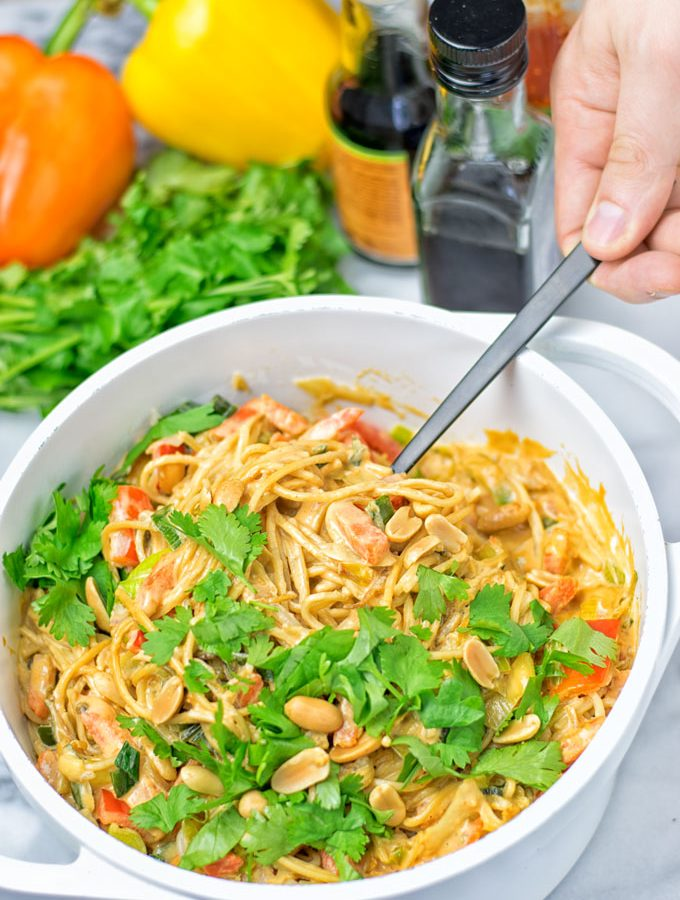One Pot Pad Thai Noodles | #vegan #glutenfree #contentednesscooking #plantbased #dairyfree