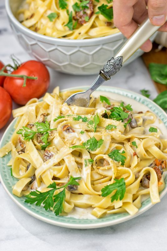 Roasted Garlic Carbonara Sauce | #vegan #glutenfree #contentednesscooking #plantbased #dairyfree