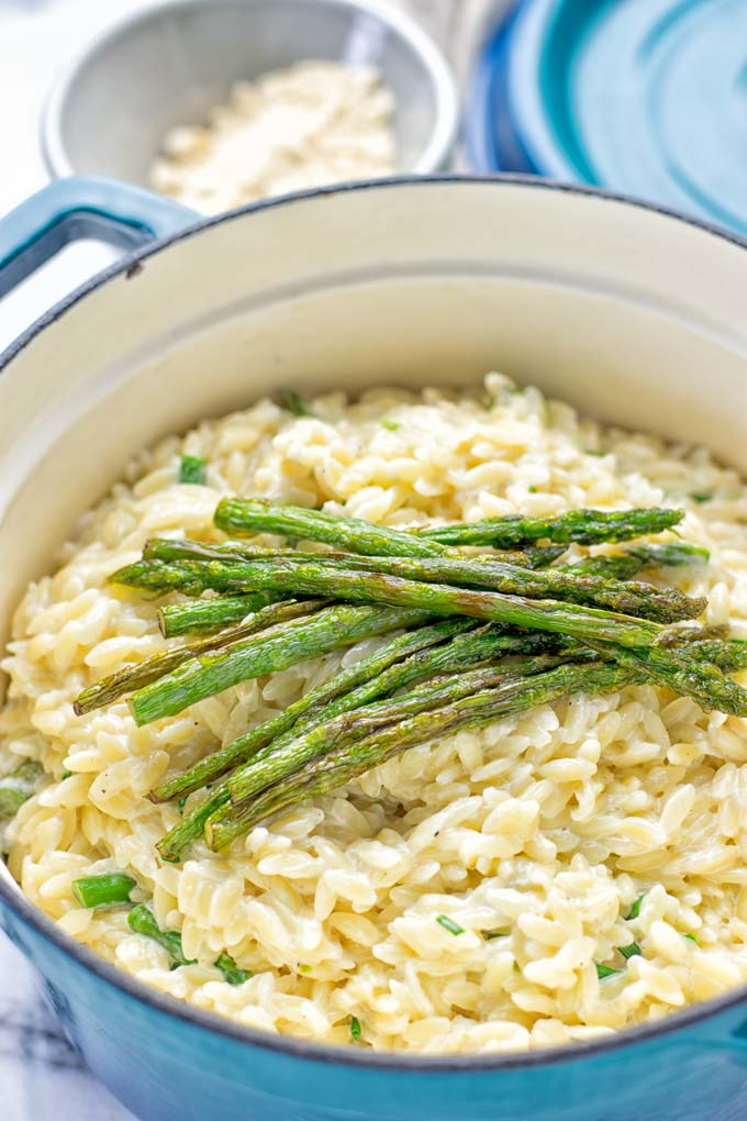Creamy Asparagus Orzo with Garlic Parmesan | #vegan #glutenfree #contentednesscooking #lunch #dinner