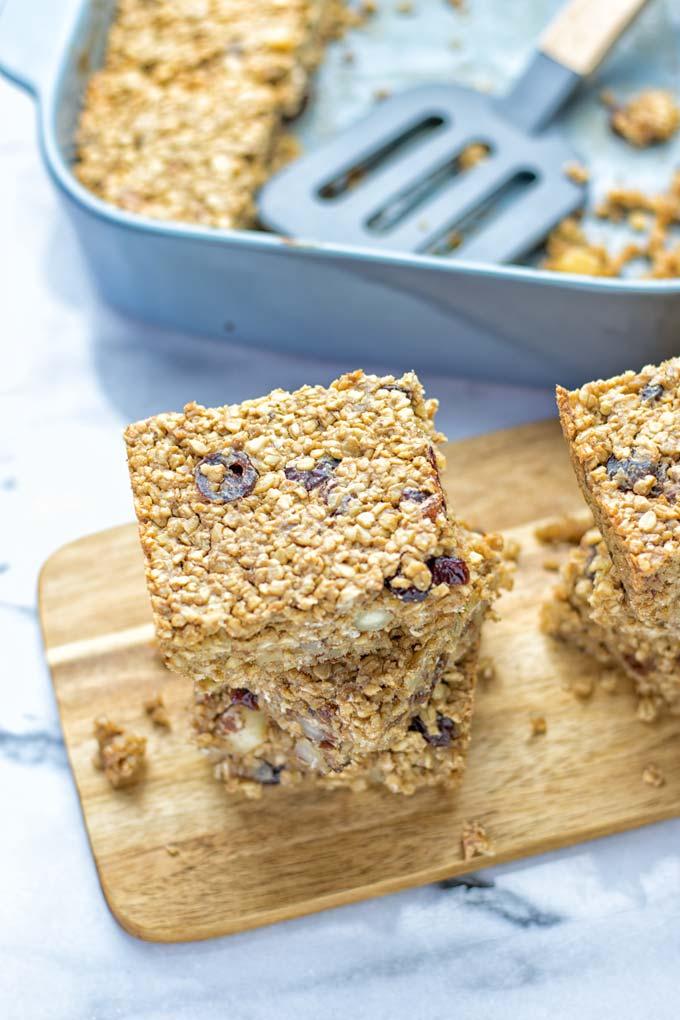 Trail Mix Breakfast Bars | #vegan #glutenfree #contentednesscooking