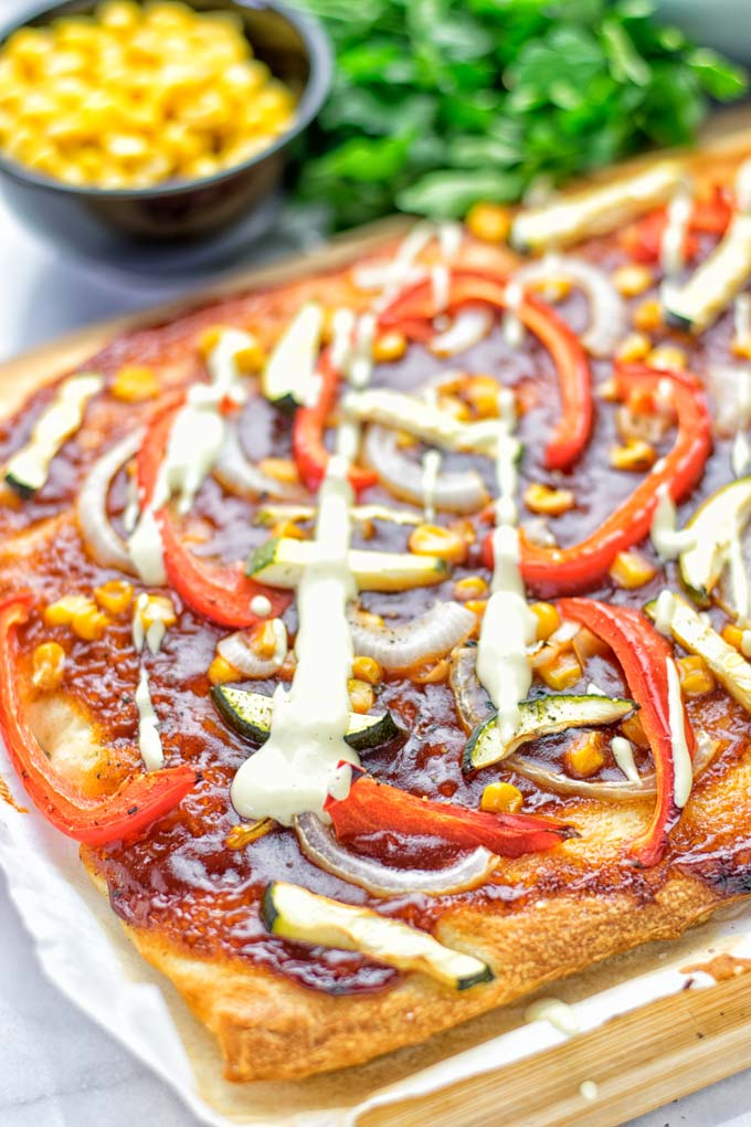Vegetarian BBQ Pizza | #vegan #glutenfree #contentednesscooking
