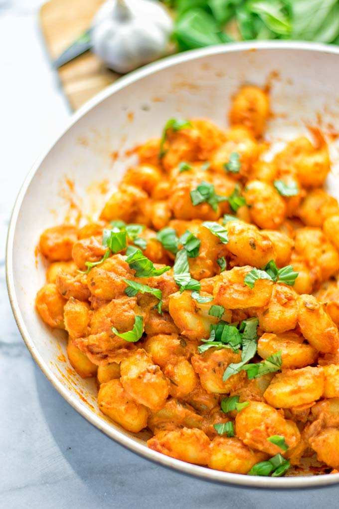 Gnocchi with Garlic Cream Tomato Sauce | #vegan #glutenfree #contentednesscooking #creamy #tahini