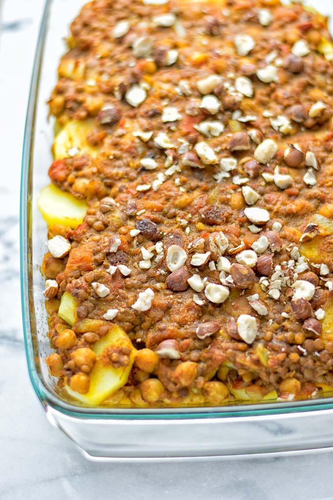 Moroccan Chickpea Lentil Potato Casserole | #vegan #glutenfree #contentednesscooking #moroccan #potato #casserole