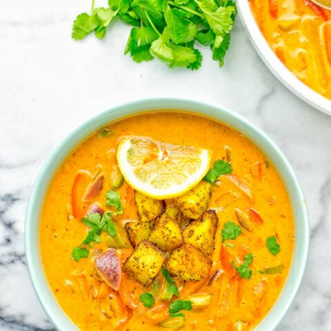 Amazingly mouthwatering Massaman Curry with Roasted Potatoes. So easy and delicious. It's naturally vegan, gluten free and so satisfying. Try it now for lunch, meal preparation, work lunch and dinner. From the first to the last bite you will know it's a keeper and winner for everyone. #vegan #glutenfree #dairyfree #vegetarian #dinner #lunch #curry #contentednesscooking #mealprep #massamancurry #worklunchideas