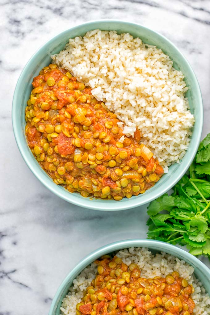 Amazingly tasty Moroccan Spiced Lentils super easy to make in one pot and packed with fantastic flavors. A super easy idea for lunch, dinner, meal prep and work lunch. Enjoy them plain, or over rice, so yummy! Try it now and you know what I'm taking about! #vegan #glutenfree #dairyfree #vegetarian #onepotmeals #lentils #moroccan #lunch #dinner #mealprep #worklunchideas #contentednesscooking #easyfood