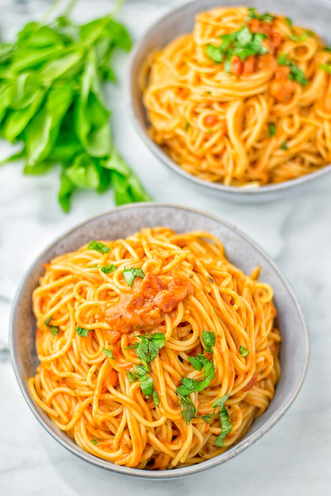 Instant Pot Spaghetti noodles in two bowls