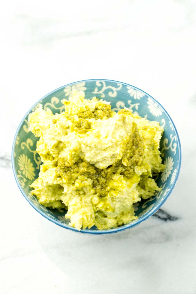 Vegan butter and an amazing fresh pesto are the main ingredients.