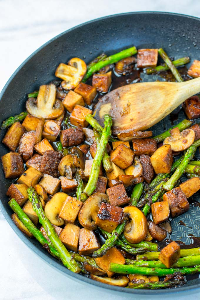 Healthy low carb dinner idea prepared in a single pan.