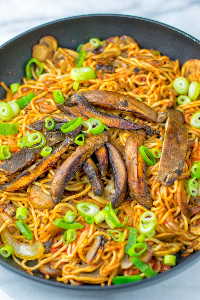 Make these Spicy Noodles in a single pan.