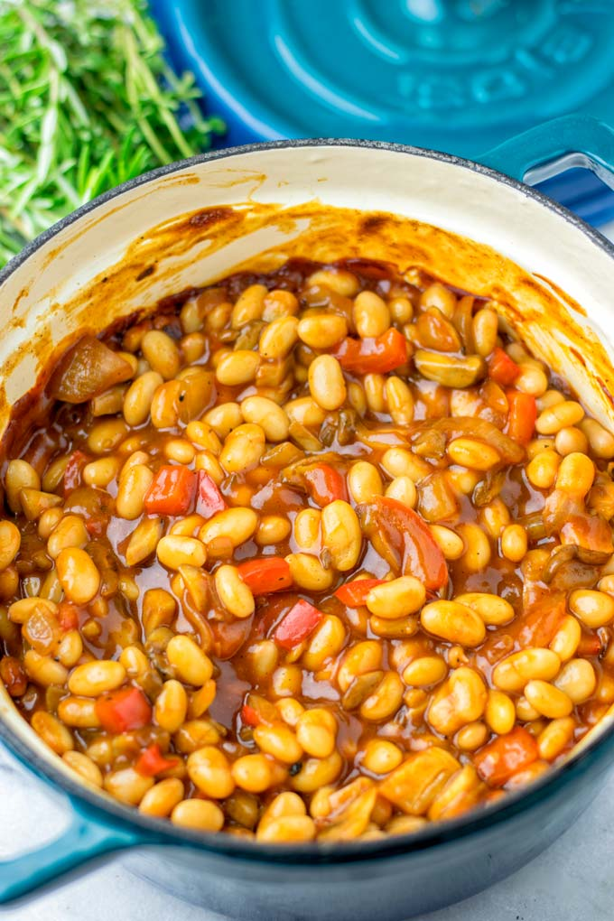 White Beans and BBQ sauce are the main ingredients of these sugar free Baked Beans.
