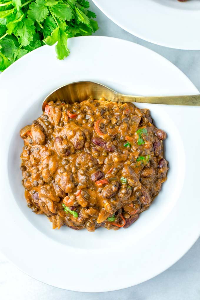 Dal Makhani is a perfect easy family recipe for lunch or dinners. Also meal prep ready.