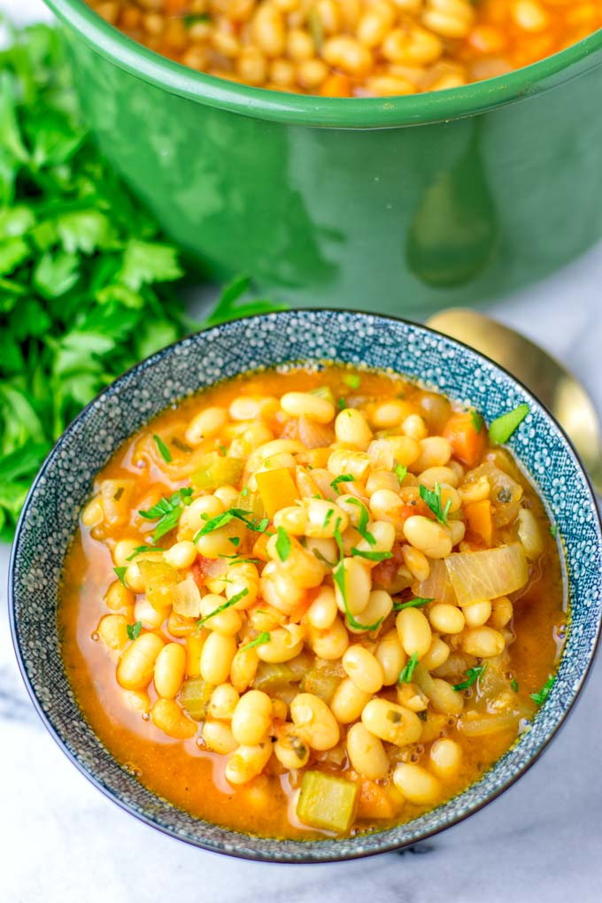 Learn how to make a navy bean soup.