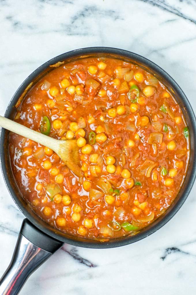 Full pot of Chana Masala fresh from the stove.